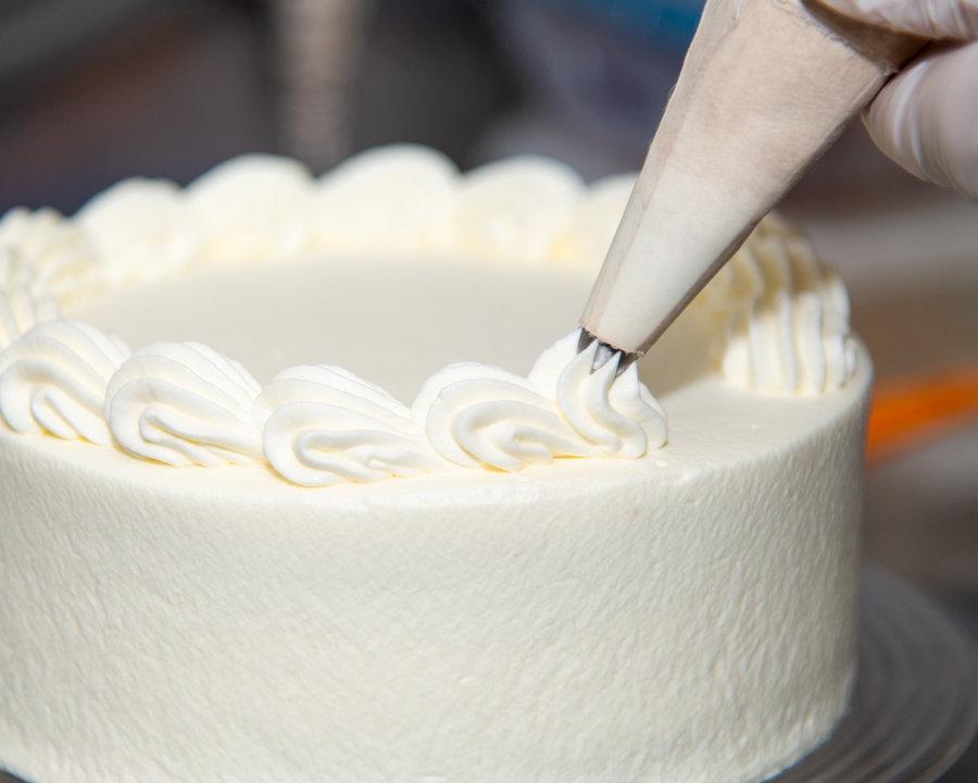 ホールケーキの販売を再開いたしました!の画像
